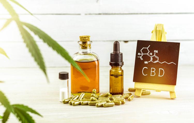 Vor- und Nachteile von CBD Öl und CBD Kapseln